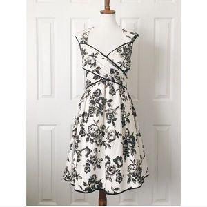 Jessica Simpson • NWT formal dress